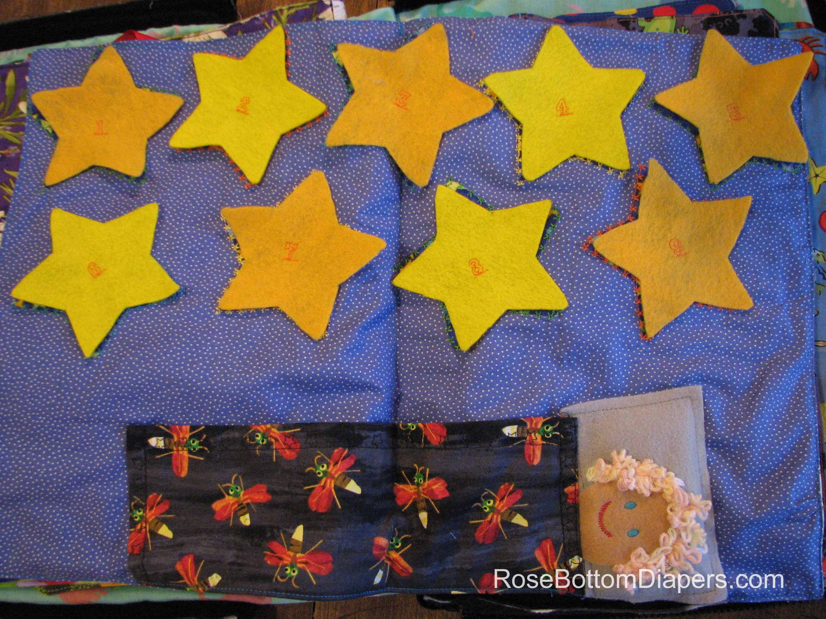 Twinkle twinkle little star quiet book page for counting and matching shapes. Busy book ideas at RoseBottomDiapers.com